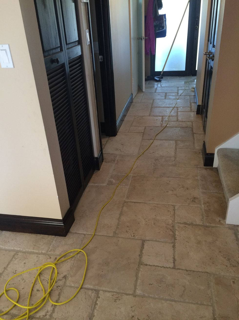 travertine-sealing-services-768x1024